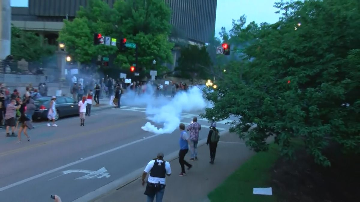 Huntsville protester: charges dropped after signing agreement not to sue the city