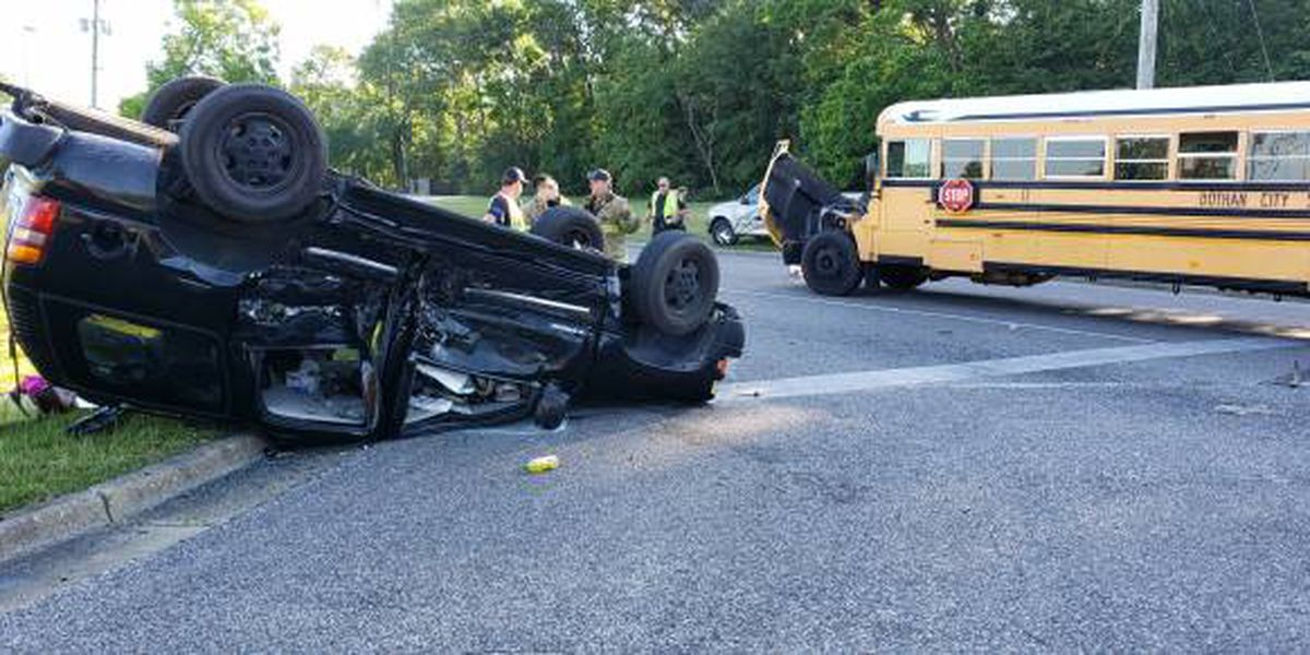 Police: Dothan City Schools bus at fault in wreck
