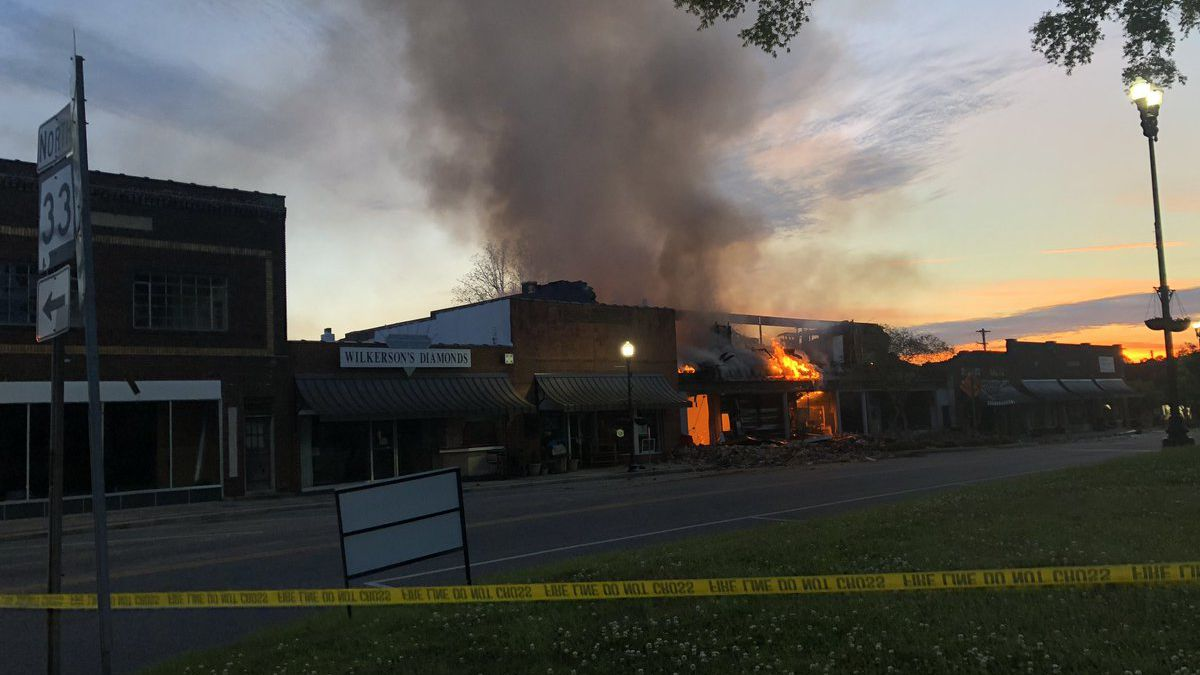 Firefighters return to downtown Moulton to put out fire