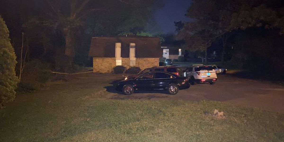 Two people shot at Huntsville apartment complex