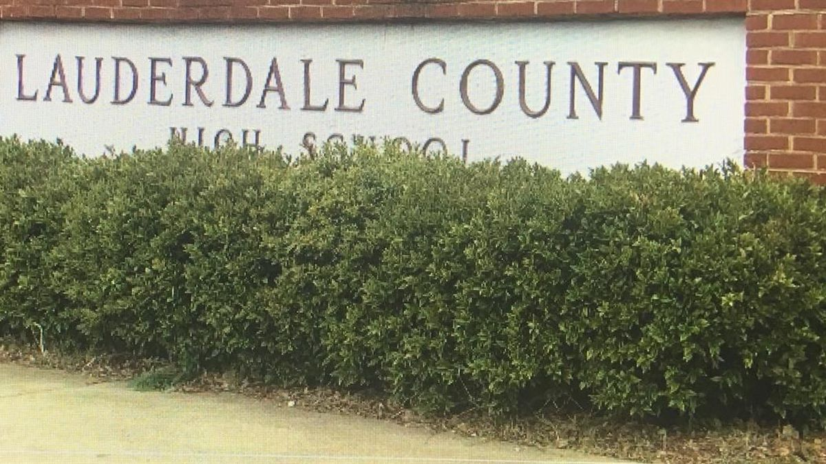 Lauderdale County scrambling to fill school jobs