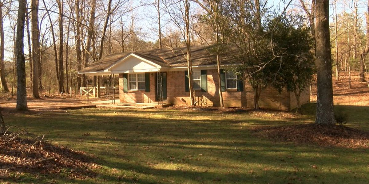 Decatur woman trying to rent home conned out of security deposit