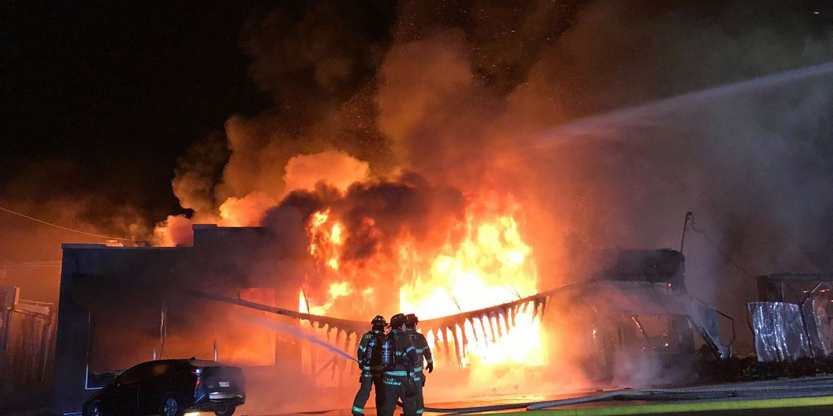 Fire destroys Sir's Fabrics in Fayetteville, TN