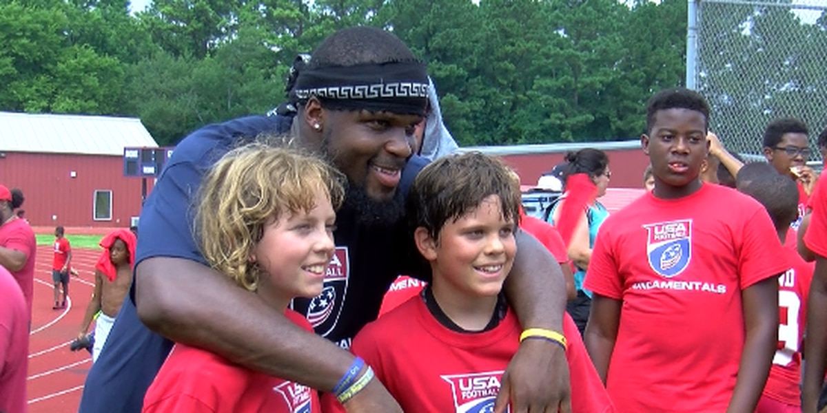 Reggie Ragland hosts football camp at Bob Jones High School