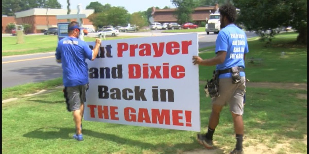 'Dixie' not playing at Arab game; song's supporters take fight to school board