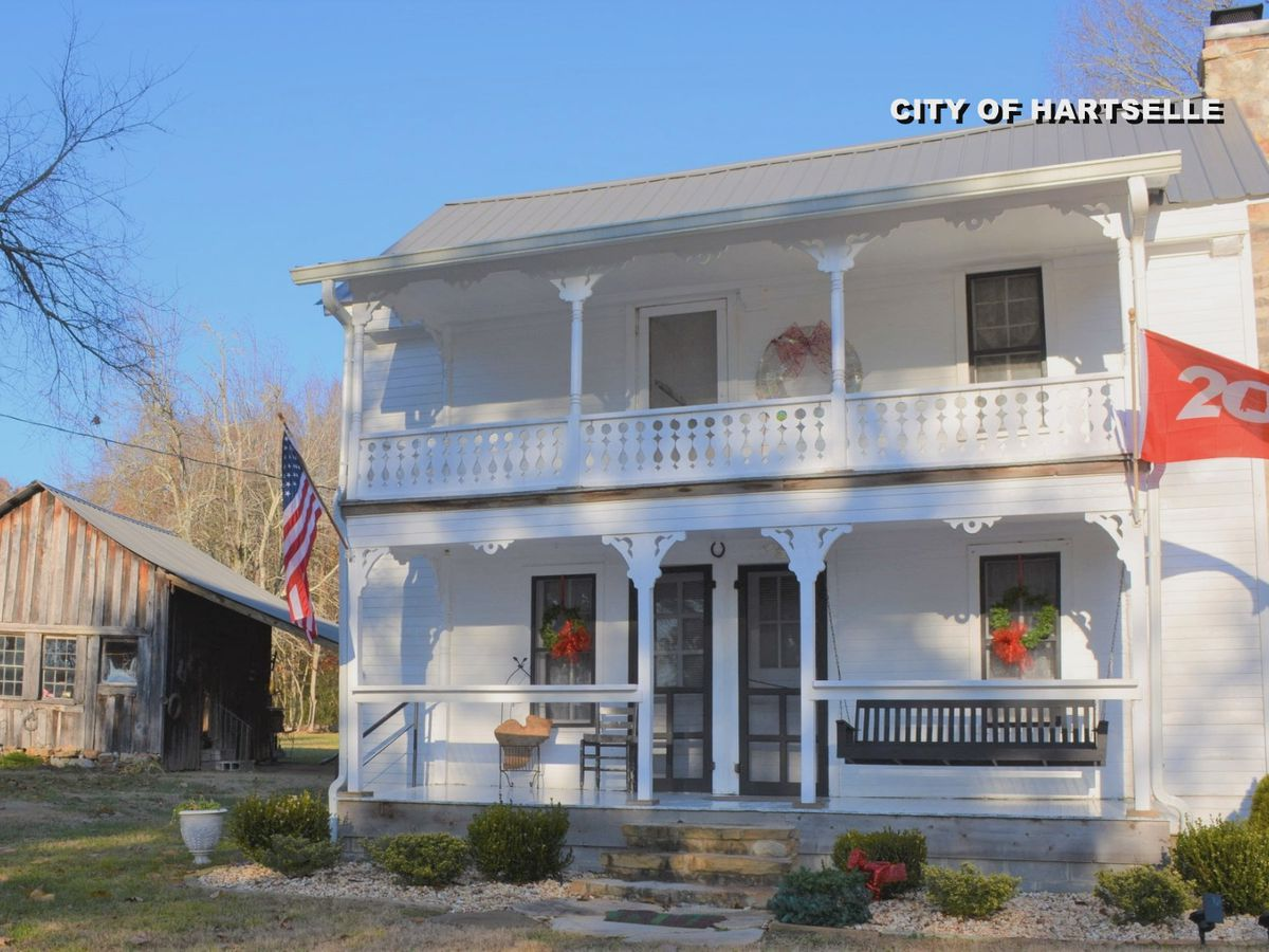 Historic marker unveiled at 200-year-old Hartselle home