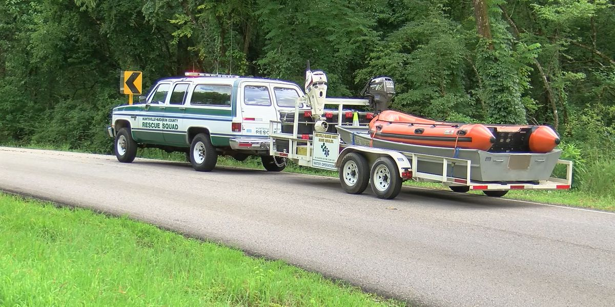 4 rescued at Flint River