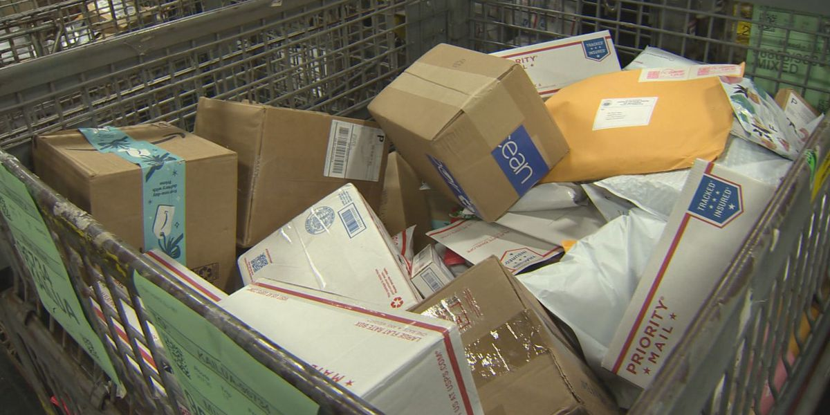 USPS sees higher volumes of shipping packages this holiday