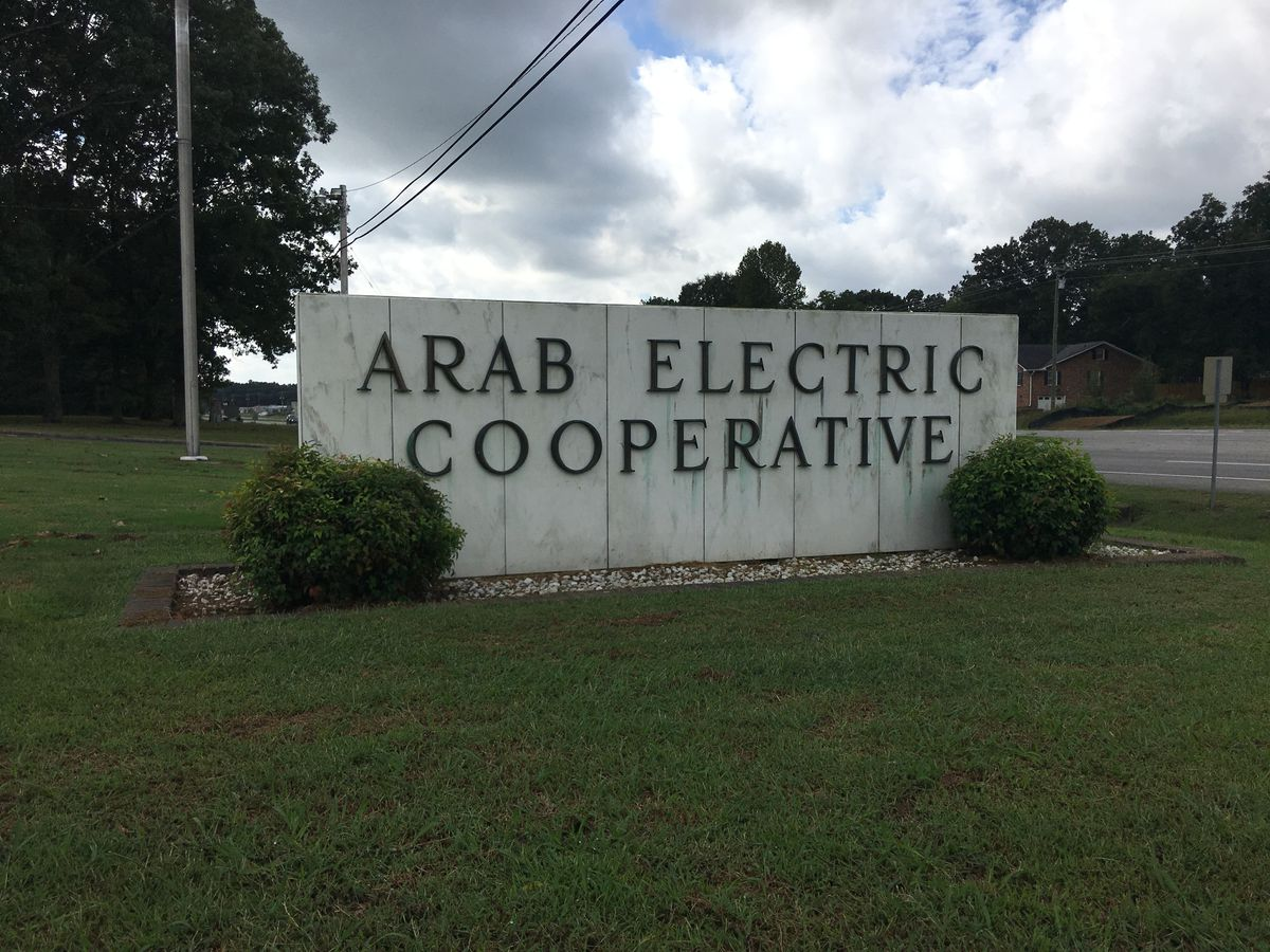 Arab Electric Cooperative isolating power outages with fusible switches
