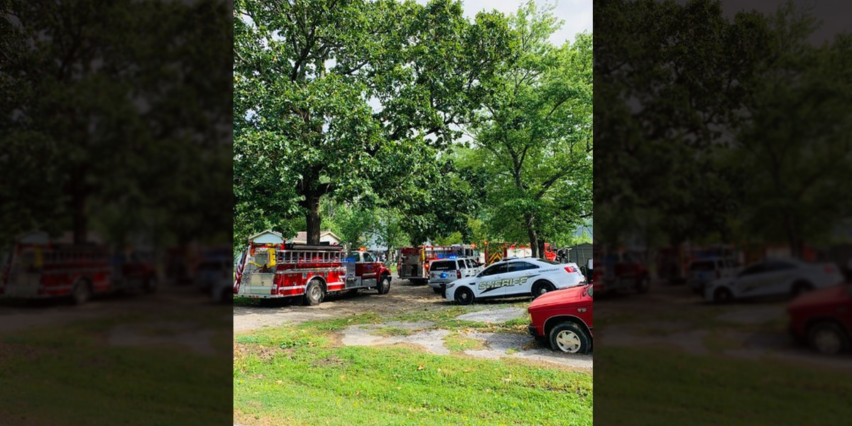 Emergency personnel respond to Falkville mobile home fire