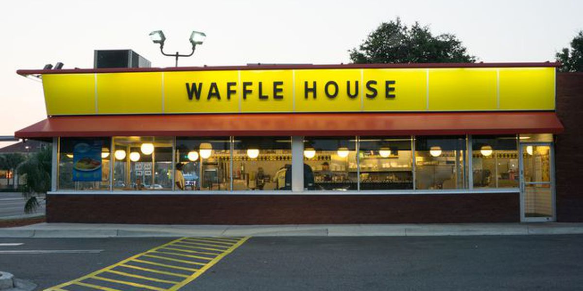 Man falls through Waffle House ceiling in Tuscumbia