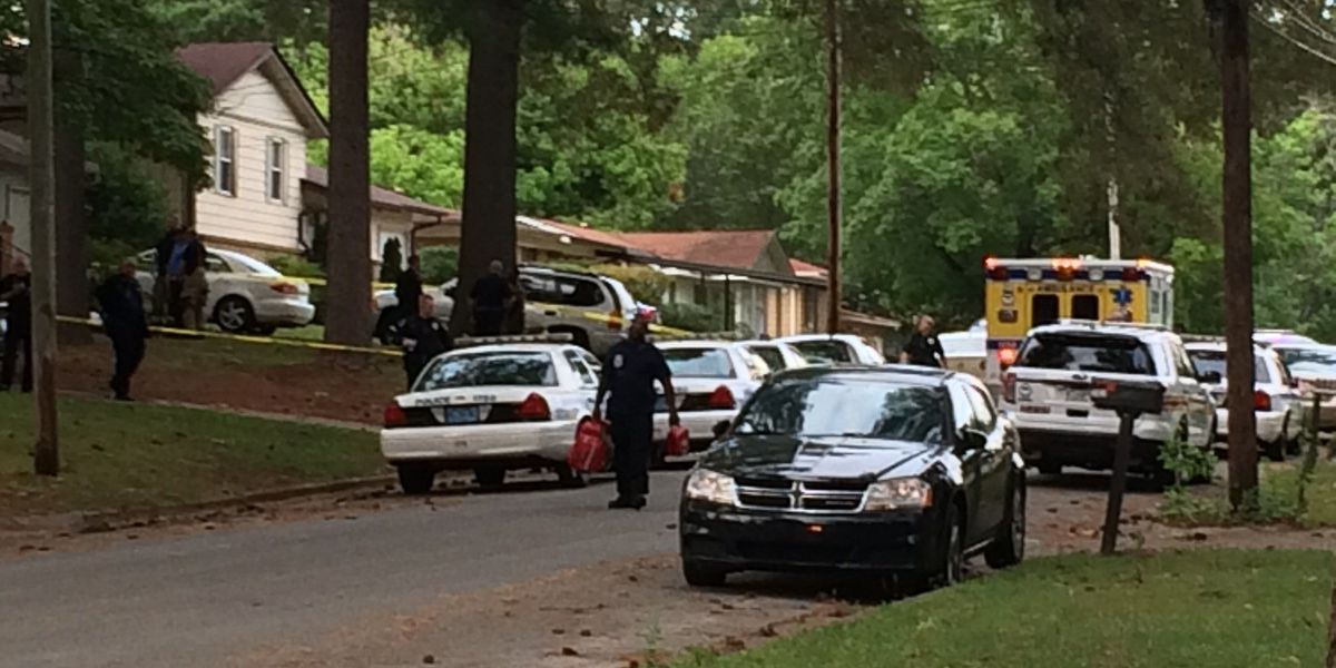 Police search for shooting suspect after South Huntsville murder