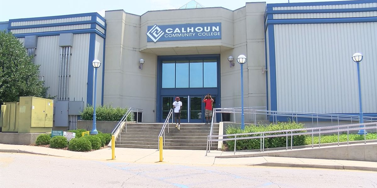 Calhoun Community College sending stimulus payments to all students