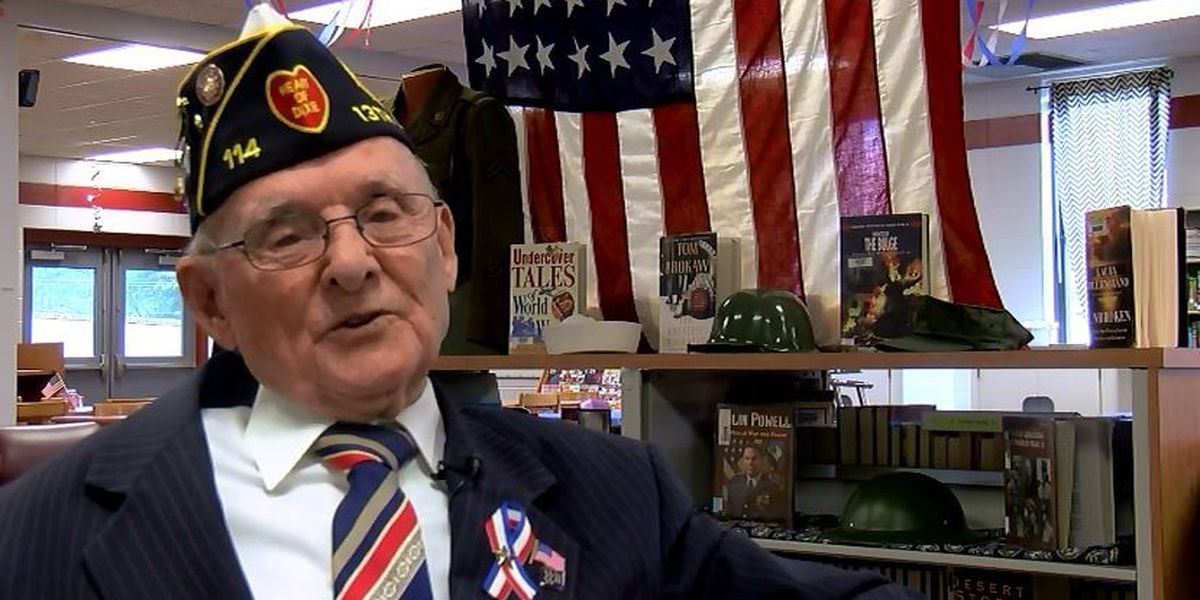 Boaz High School students learn from 94-year-old WWII veteran