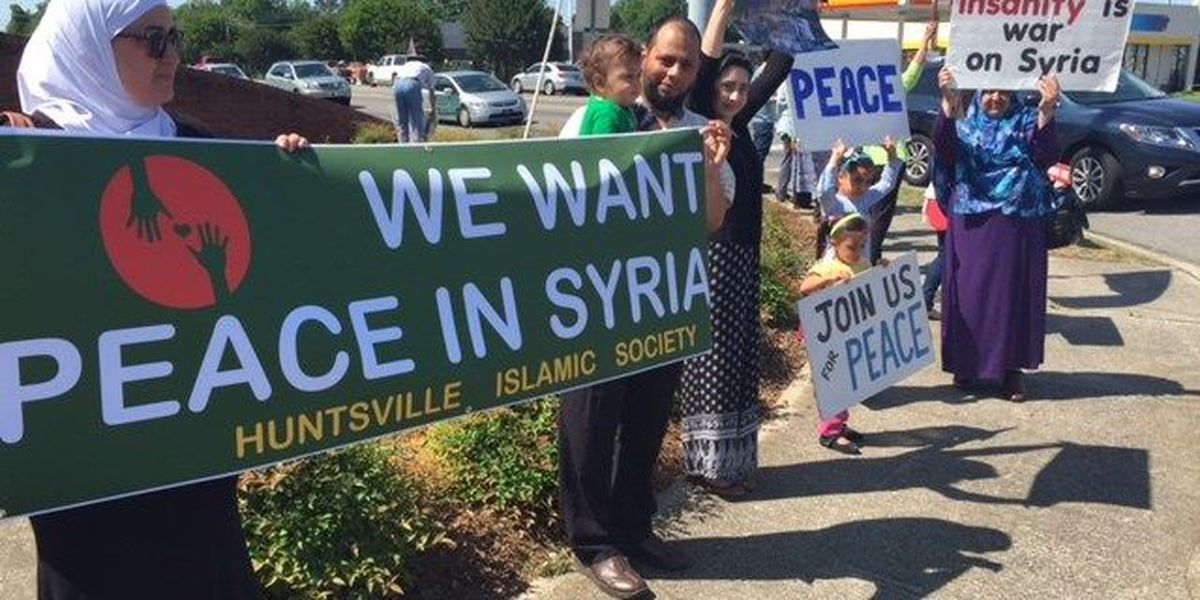 Protesters hold peaceful demonstration in support of Syrian refugees