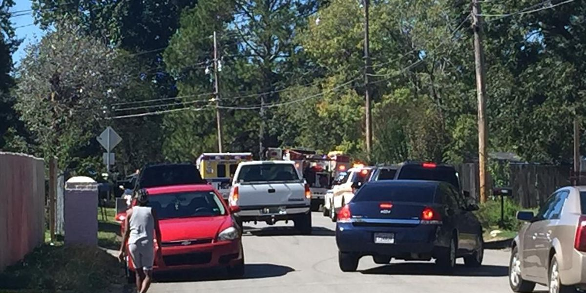 3 people shot in north Huntsville; police searching for suspect