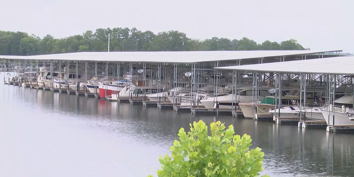 Governor Ivey approves bill to increase boat license fees by $5