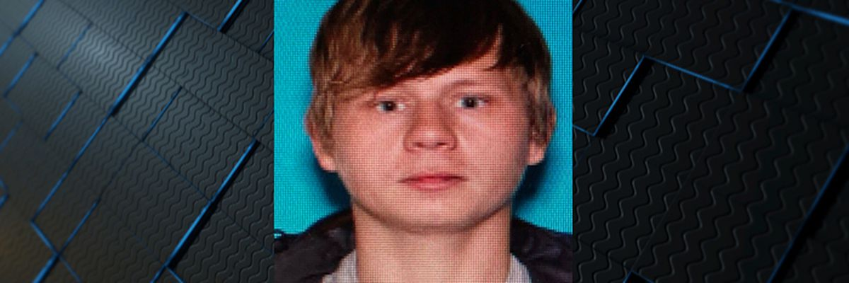 Suspect sought after crashing stolen car during high-speed pursuit in Limestone County
