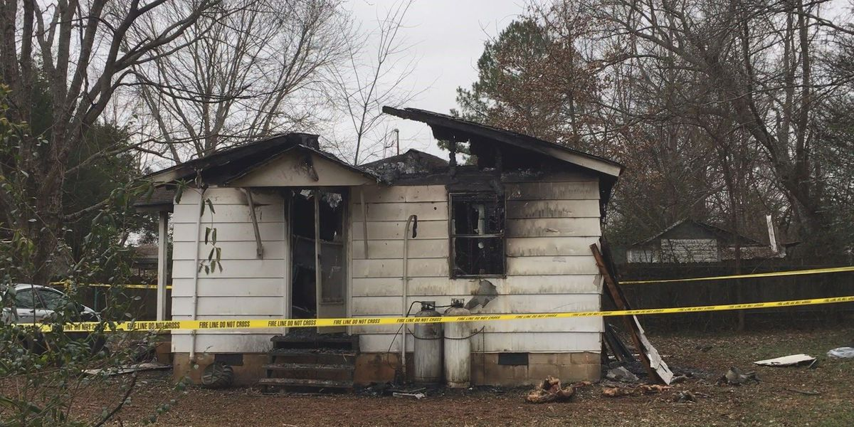 One dead after overnight house fire in Huntsville