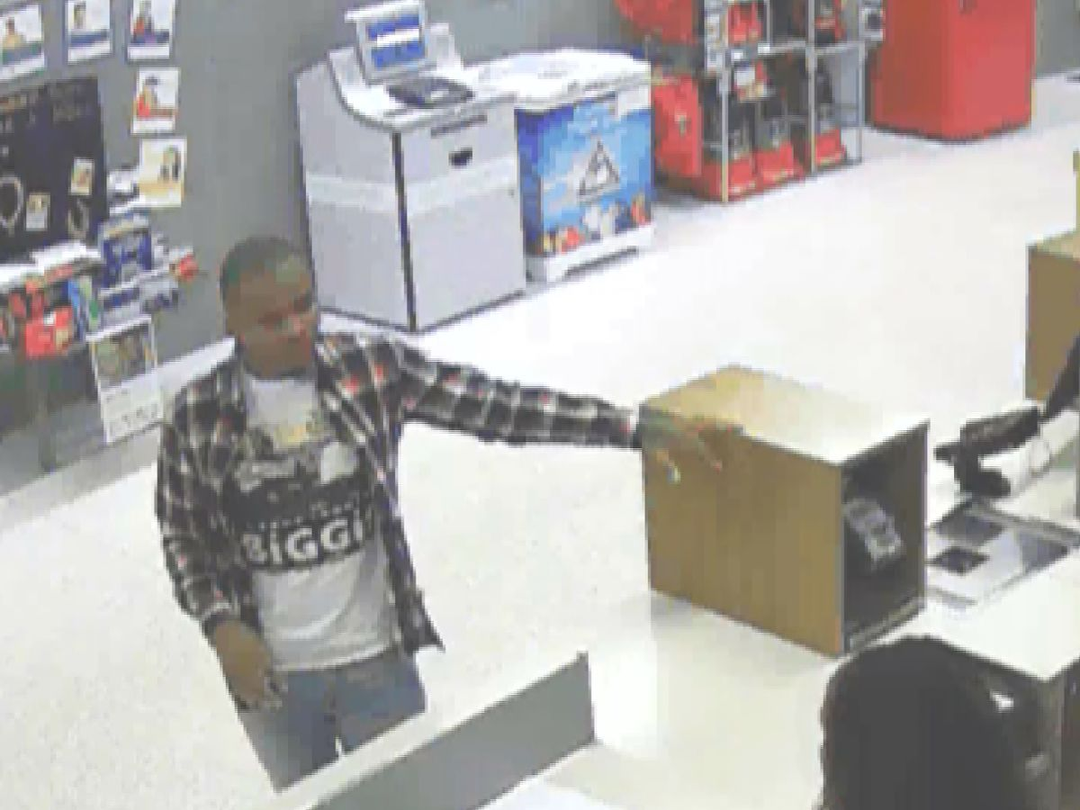 Crime Stoppers: Suspect creates credit cards with victim's info