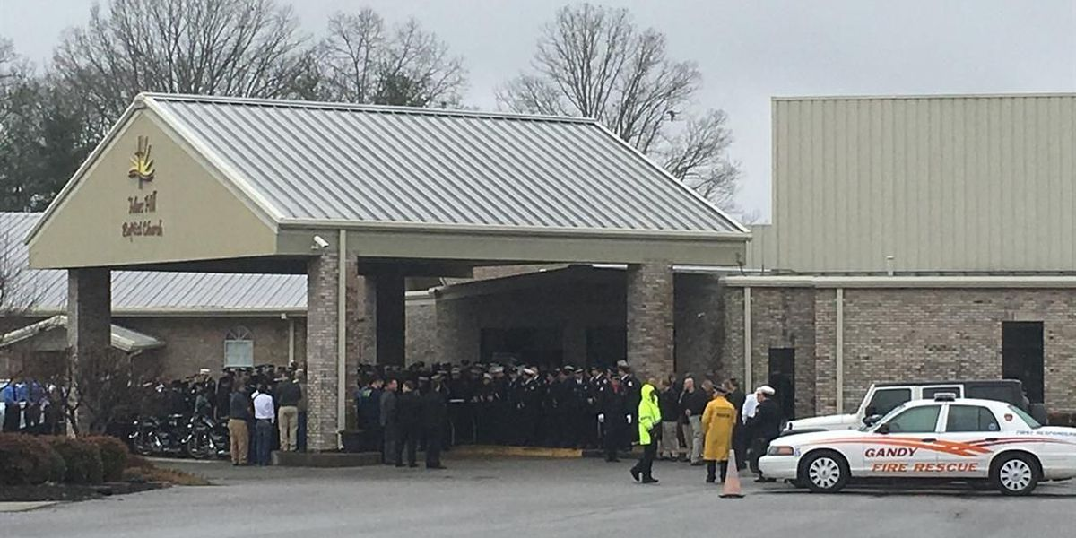 Shoals firefighters pay respects to fallen Lawrenceburg firefighter
