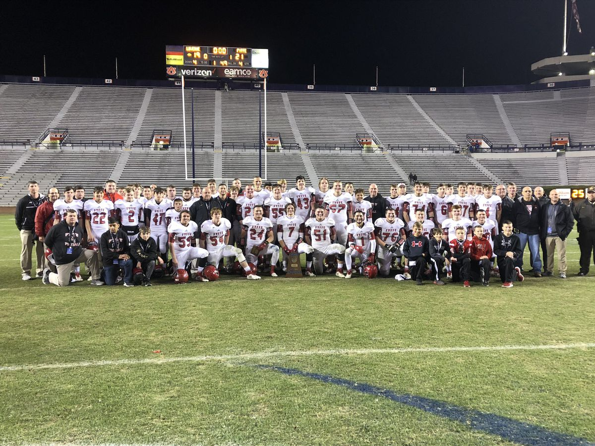 Fyffe wins 2A state title, completes undefeated season