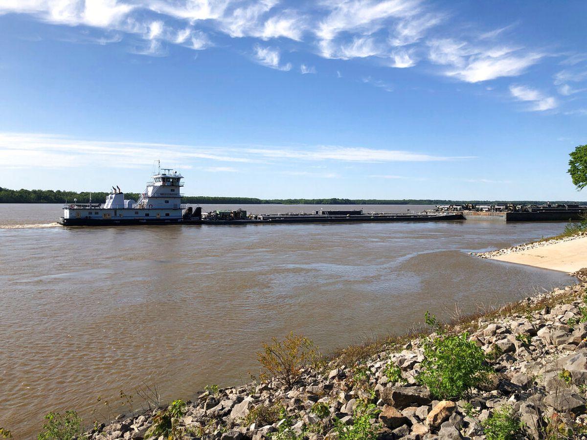 Mississippi River traffic resumes after I-40 bridge closure for fractured beam