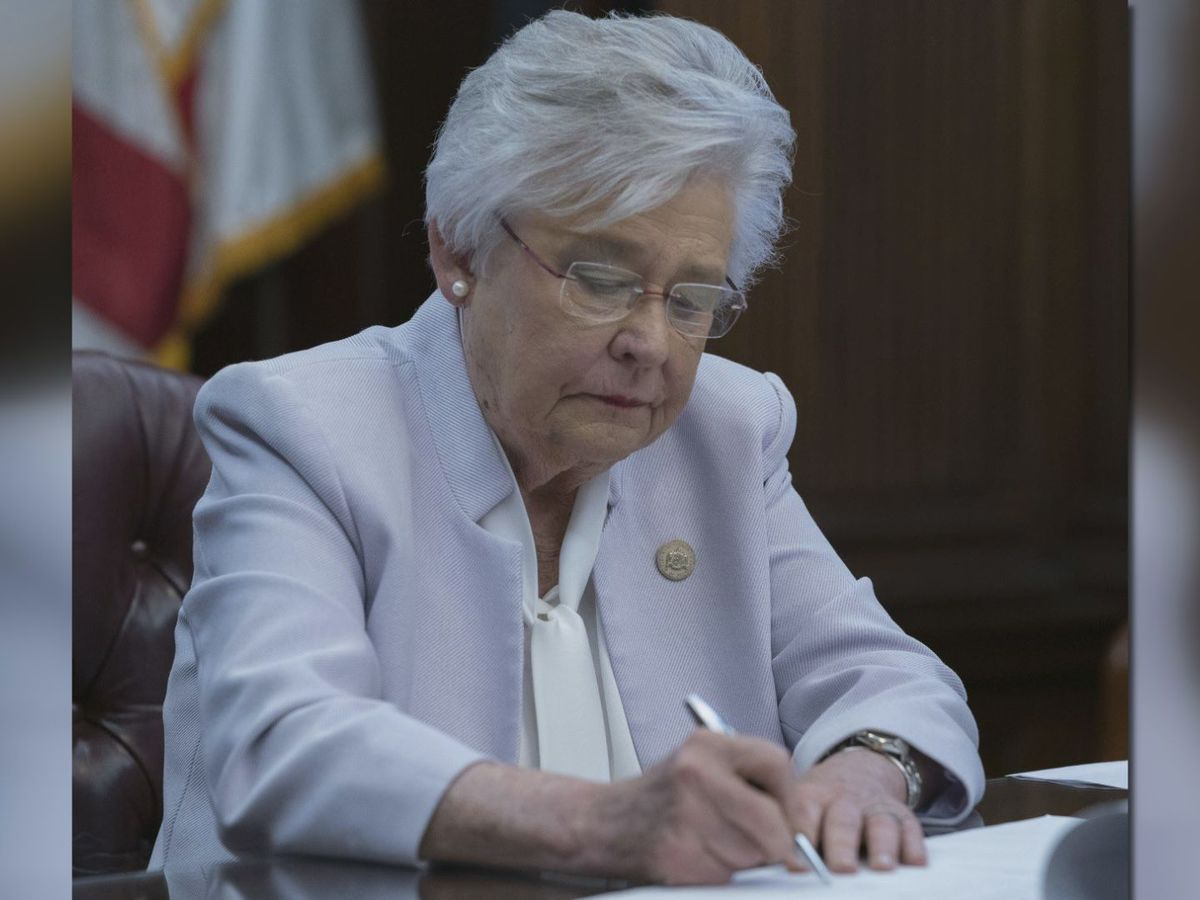 Gov. Kay Ivey vetoes bill delaying promotion policy in Alabama Literacy Act