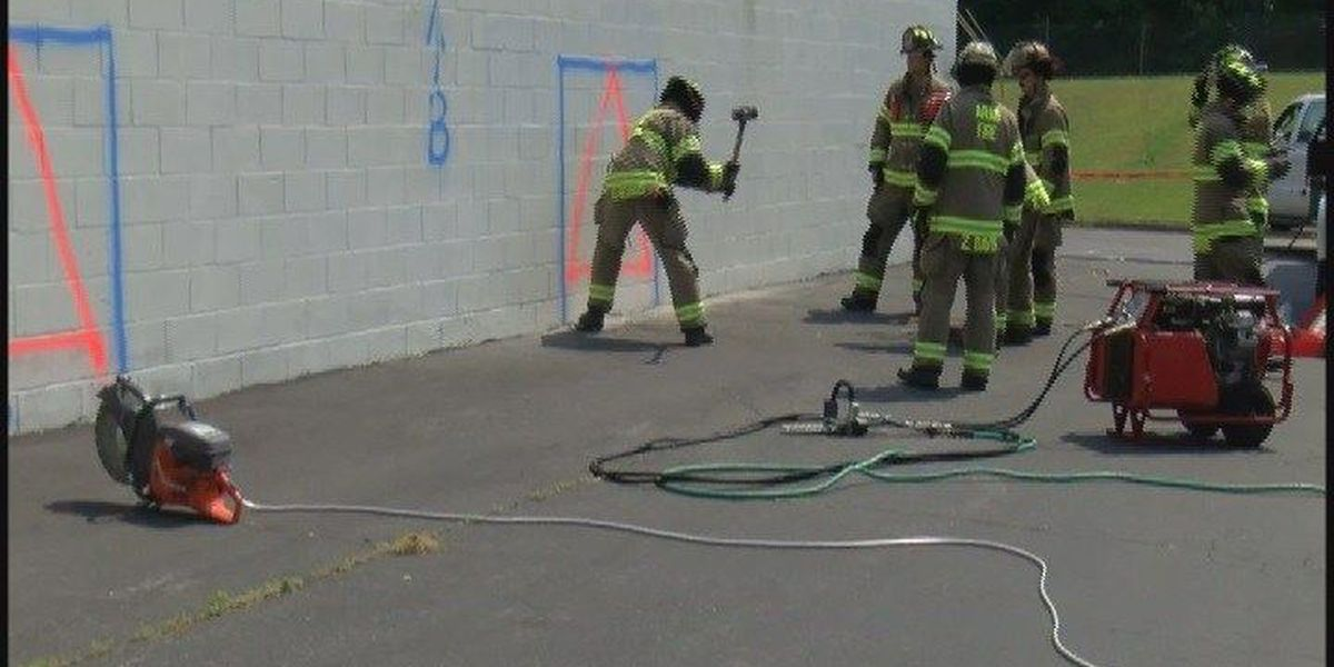 Car dealership teams with Arab Fire Department to promote fire training