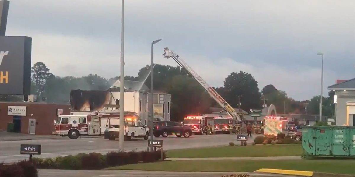 Investigation underway after Muscle Shoals business catches fire in storm
