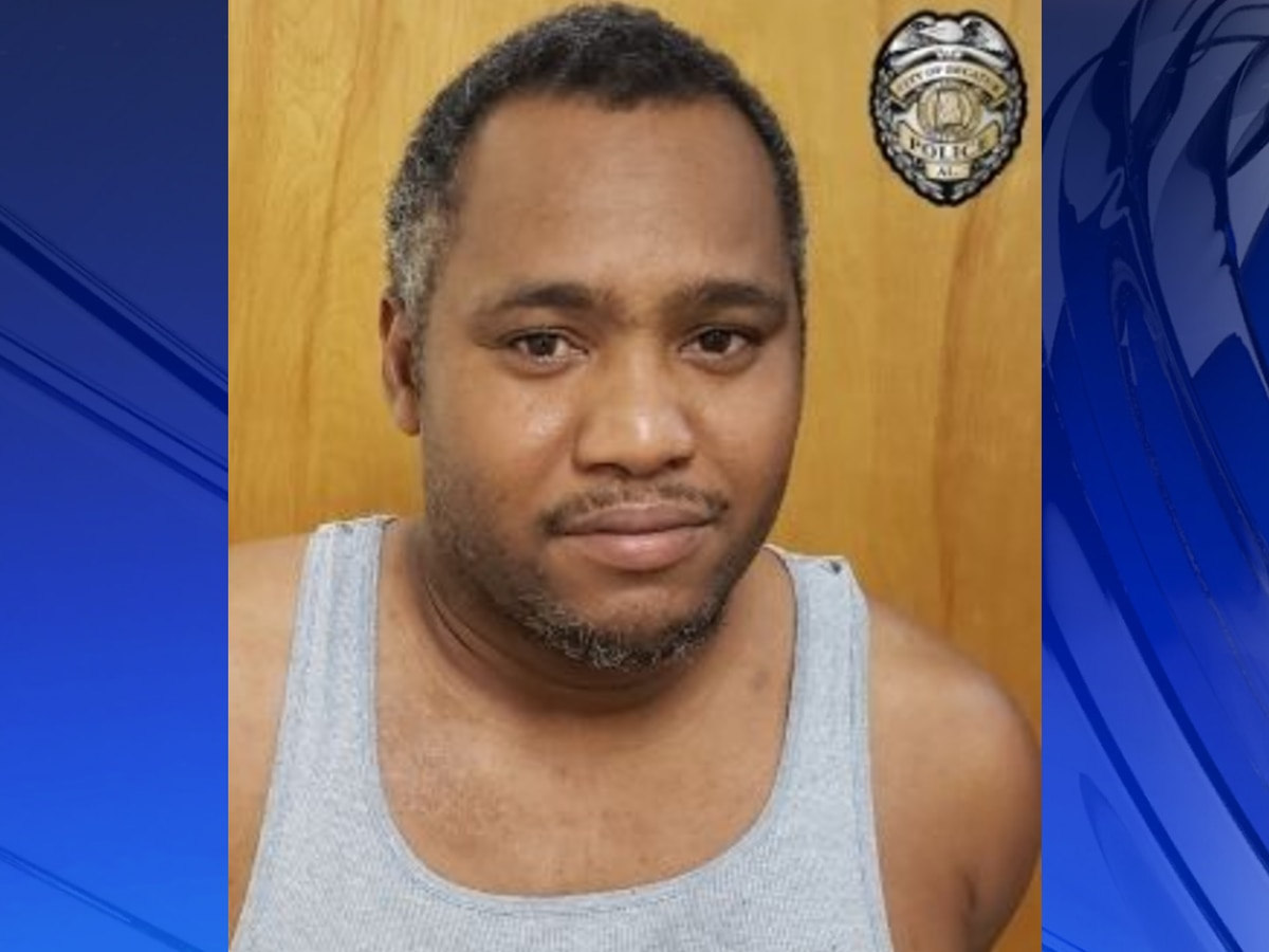 Decatur man arrested after he broke into ex-girlfriend's home, assaulted, stole her phone