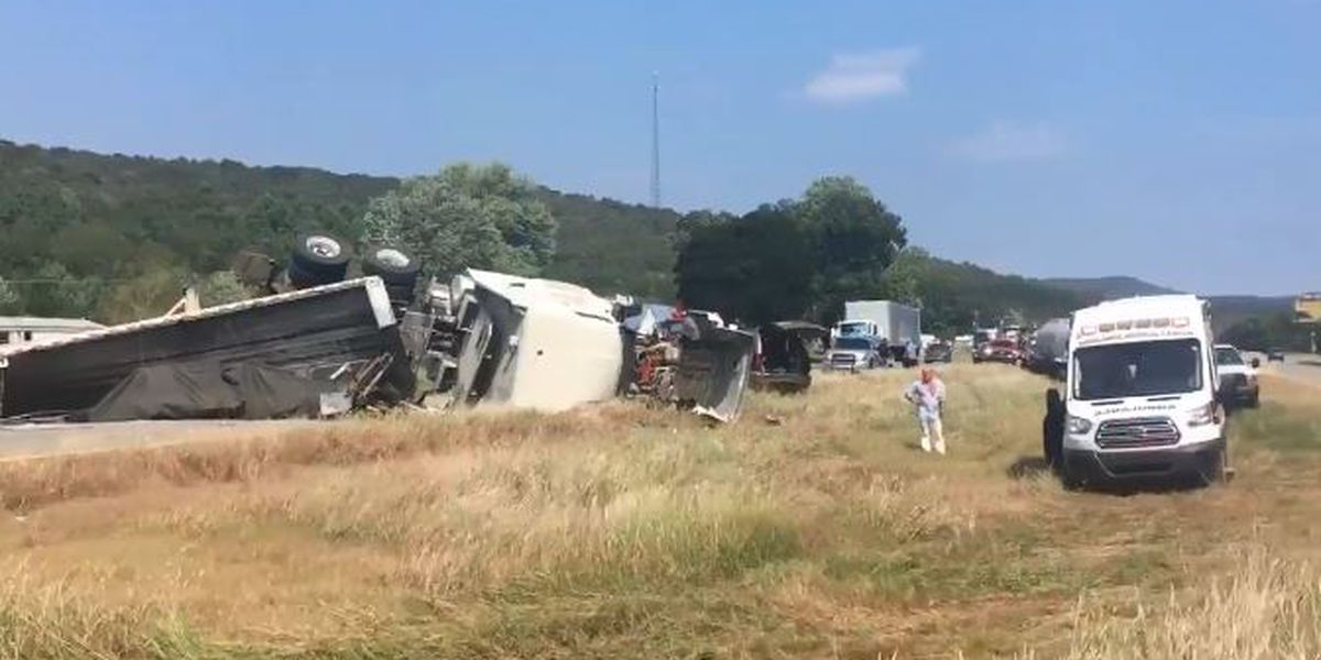 Wrecked 18-wheeler cleared from U.S. 72 in Madison County