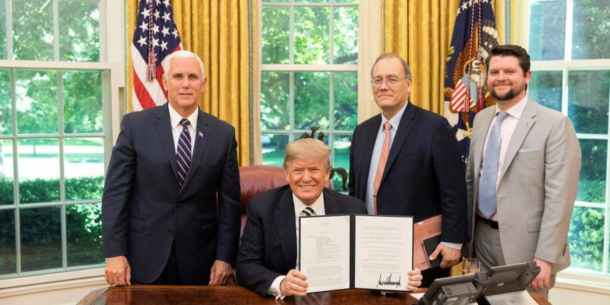 Trump signs new Space Policy Directive