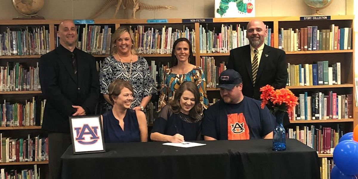 Woodville High holds inaugural Academic Signing Day