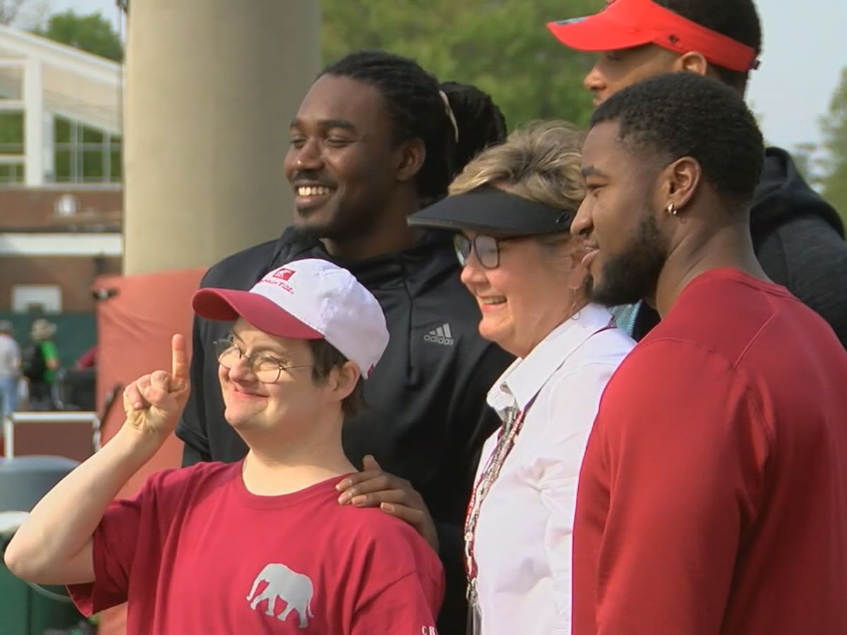 Alabama football superfan Walt Gary passes away