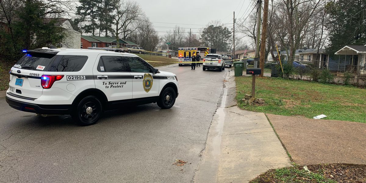Huntsville police searching for shooting suspect, one man dead