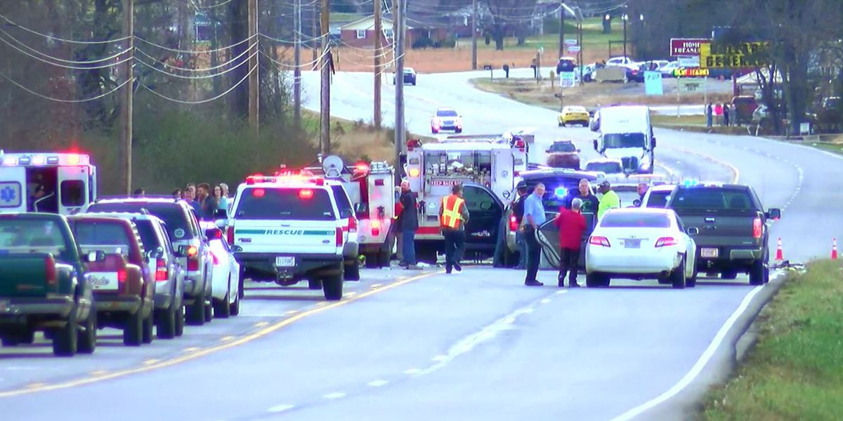 Woman killed in 3-vehicle wreck on U S  72 in Limestone County