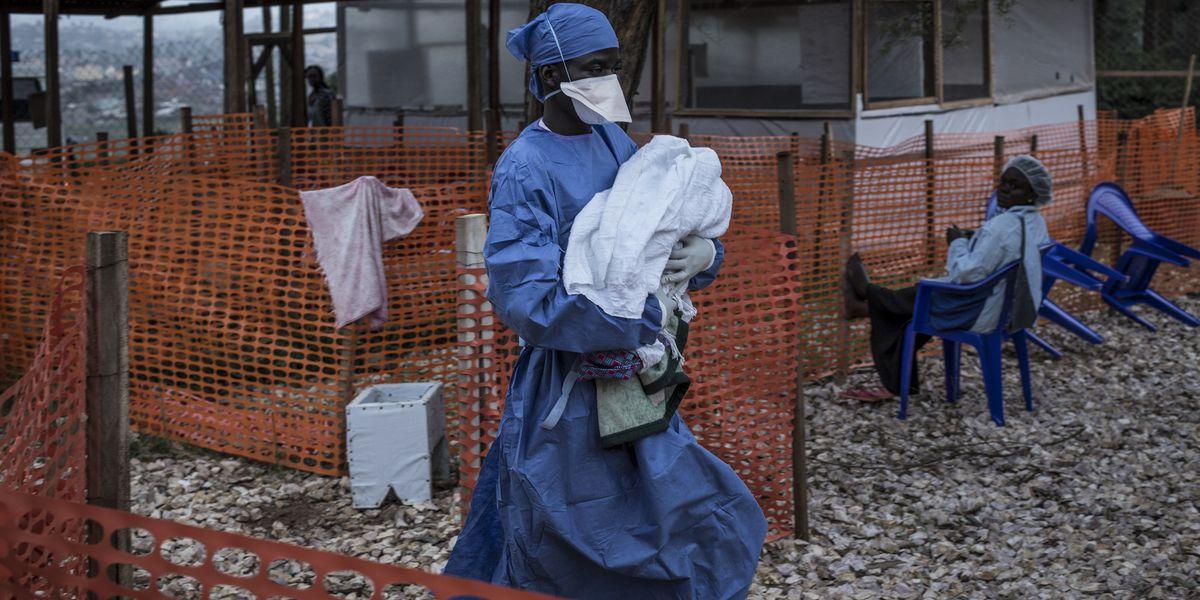 Ebola spreads to major Congo city as vaccines a concern