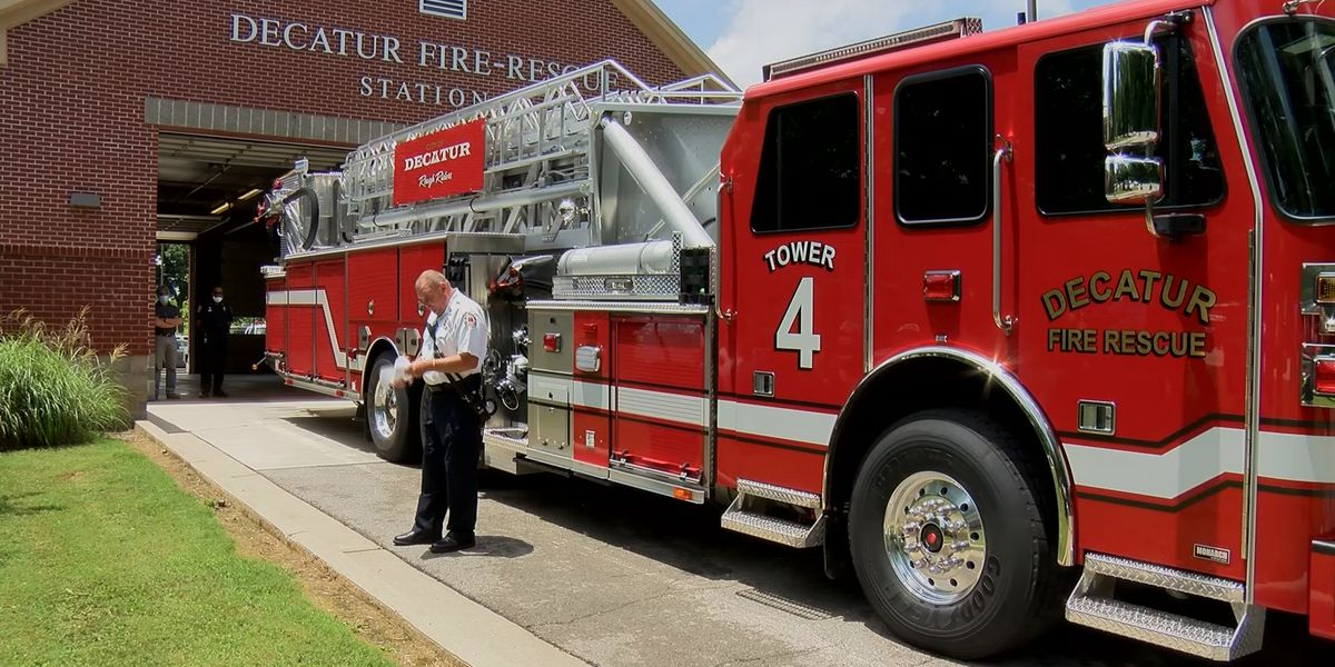 Decatur Fire & Rescue respond to business fire near Jay's Landing