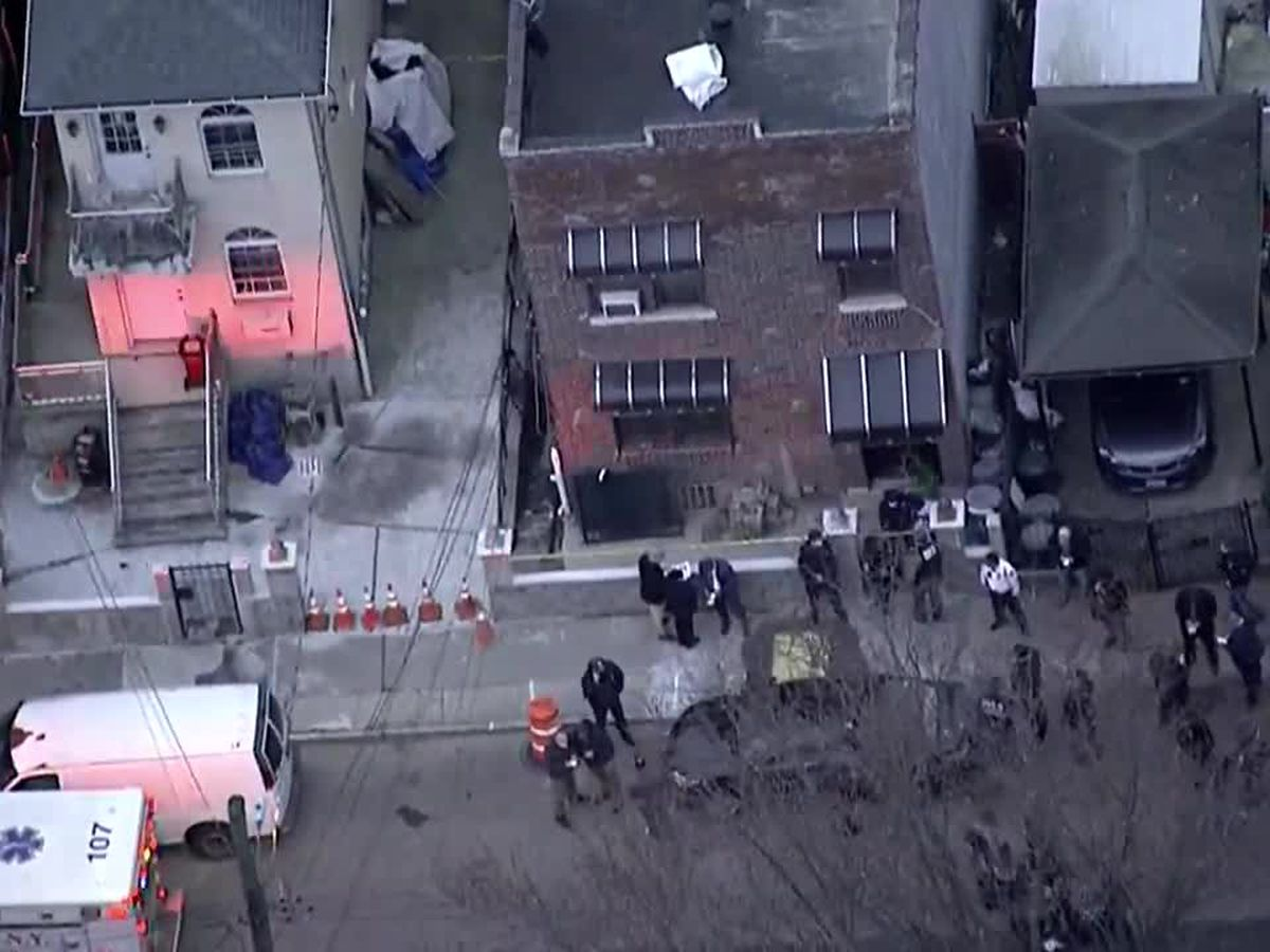 Two US marshals shot, fugitive killed in Bronx gunfight