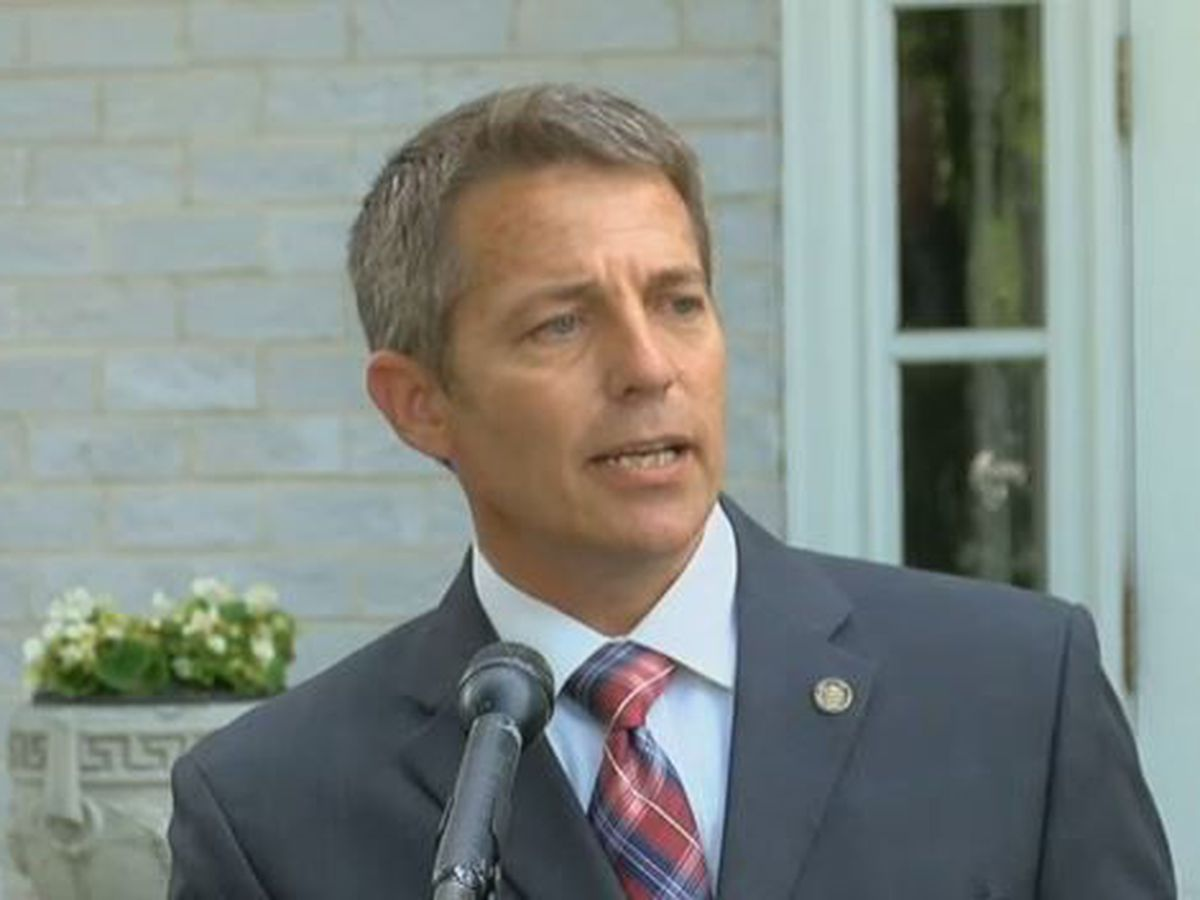 Former Alabama lawmaker Ed Henry receives last minute Presidential pardon