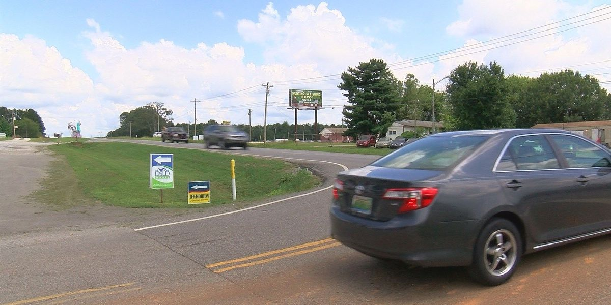 Stop light wanted at Limestone County intersection following crashes