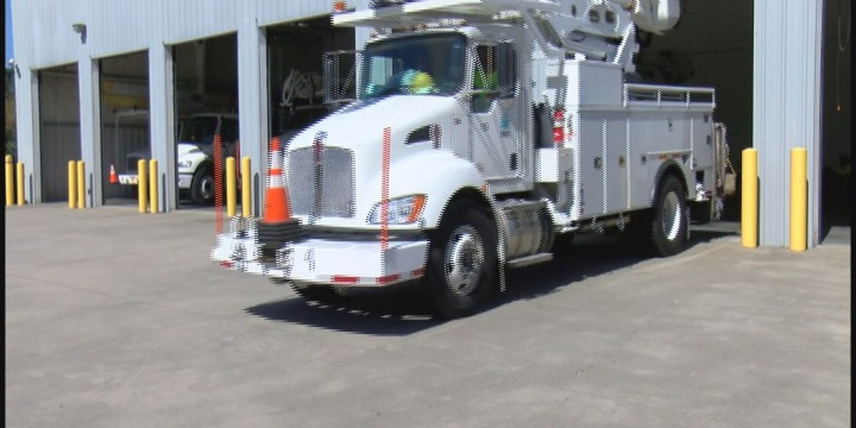 Power crews from Albertville head out to help restore power in Florida