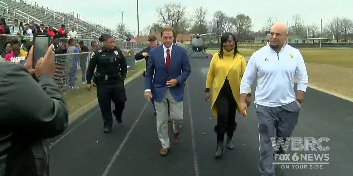 Nick Saban lands at JO in helicopter
