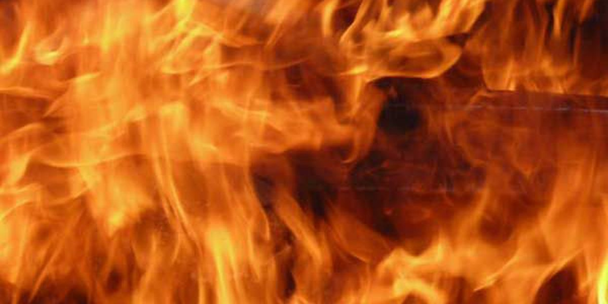 Lightning believed to cause 2 mobile home fires in Marshall County