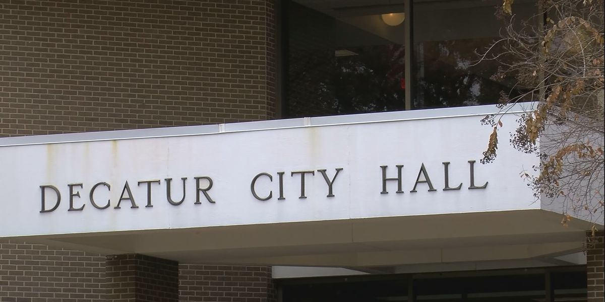 Decatur Mayor calls for department head to move to Decatur