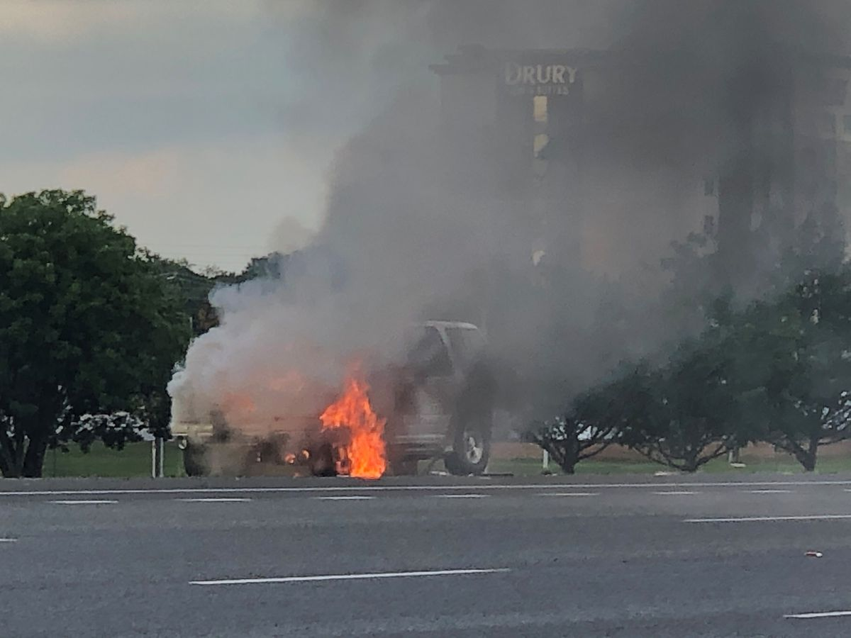 No injuries reported after vehicle catches fire on I-565
