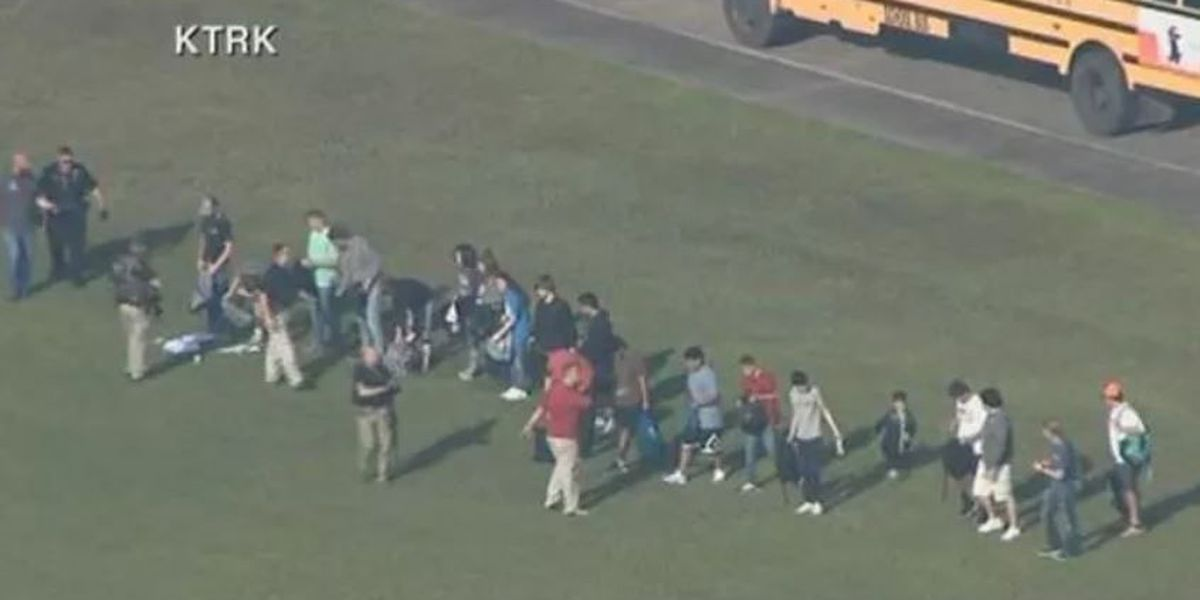 WATCH LIVE : Authorities hold news conference on TX high school shooting