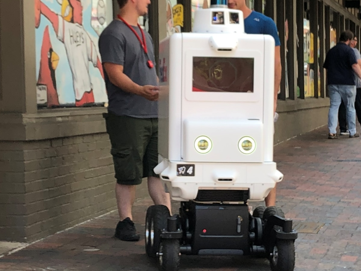 FedEx delivery robot spotted in Downtown Memphis