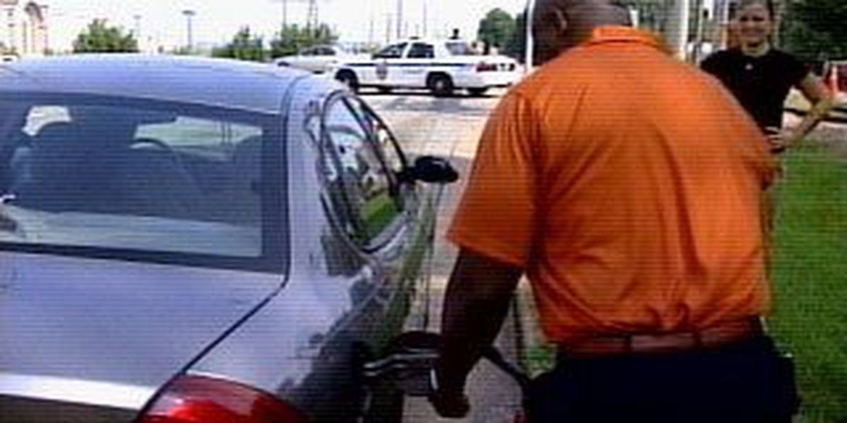 Free gas pumps hundreds of drivers